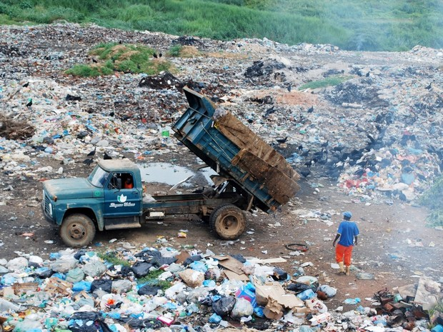 Usina de reciclagem era na mesma área do lixão de Pádua (Foto: Jornal Opção do Noroeste)