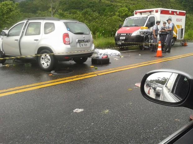 Acidente entre carros aconteceu na rodovia Rio Santos (Foto: Aconteceu em Bertioga)