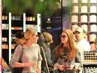 Marina Ruy Barbosa e Luma Costa passeiam em shopping do Rio
