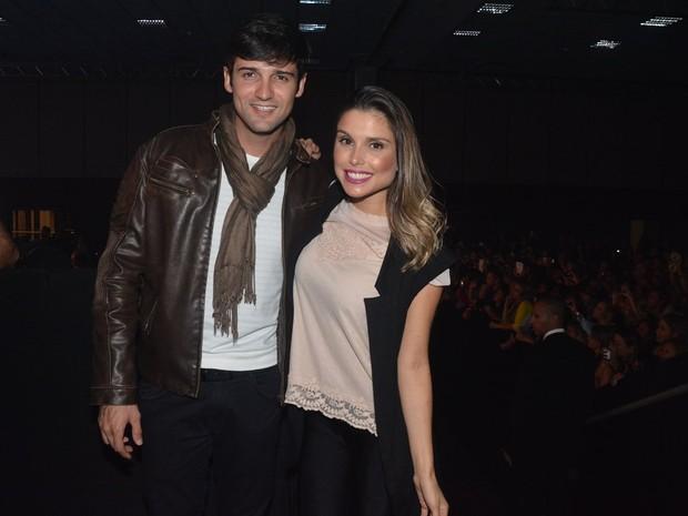 Ex-BBBs Fernando Justin e Flávia Vianna em show em São Paulo (Foto: Caio Duran/ Ag. News)