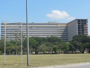 Cidade Universitária da UFRJ é uma ilha de conhecimento e estudos dentro do Rio (Foto: Alba Valéria Mendonça/ G1)