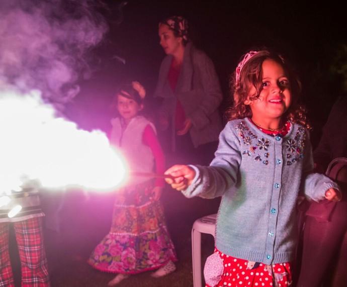 A netinha de Ana Maria Braga fez a festa! (Foto: Maurício Epov)