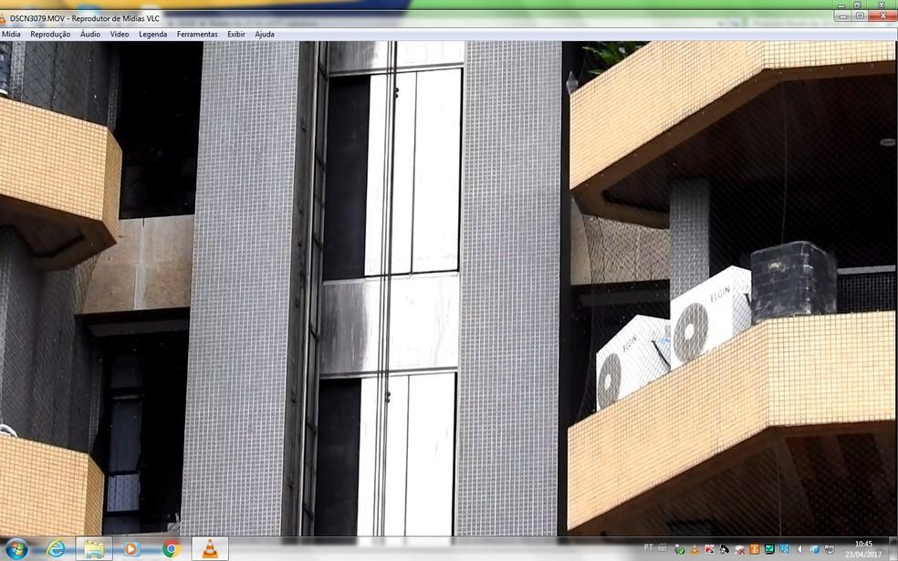 Elevador despencou do quinto andar (Foto: Adneison Severiano/G1 AM)