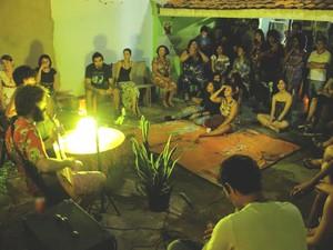 Saraus são realizados na Rua 24 de Outubro, próximo a Praça Tiradentes (Foto: Palestina Israel/Arquivo pessoal)