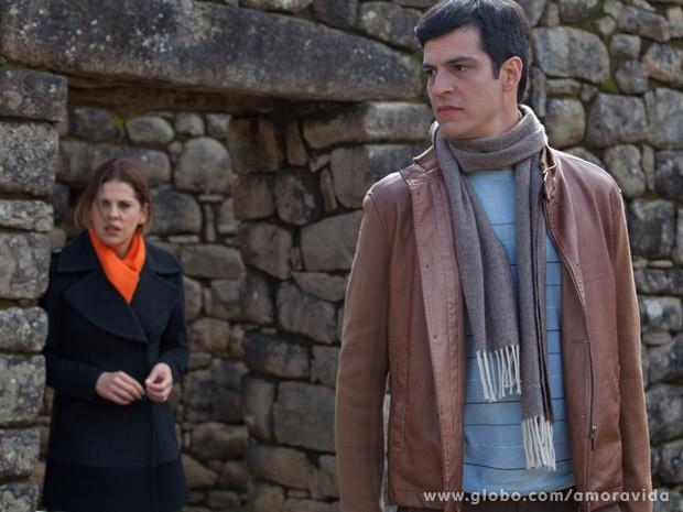 Félix confessa para Edith que quer Paloma fora de seu caminho (Foto: Amor à Vida / TV Globo)