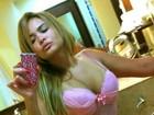 9b42bd2c9 EGO - Geisy Arruda escolhe lingerie de fim de ano e posa de calcinha ...