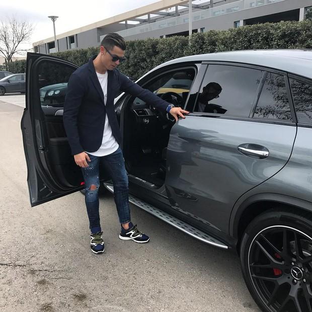 Cristiano Ronaldo: estilo dentro e fora dos estádios (Foto: Instagram/Reprodução)