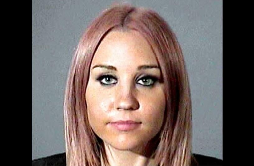 Amanda Bynes em abril de 2012. Acusação: dirigir sob efeito de álcool e/ou outras drogas. (Foto: Divulgação)