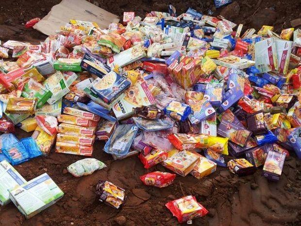 Alimentos impróprios foram descartados no aterro sanitário  (Foto: Giliardy Freitas/ TV TEM)