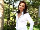 Julia Lemmertz se reconhece em Helena e exalta capacidades únicas da mulher