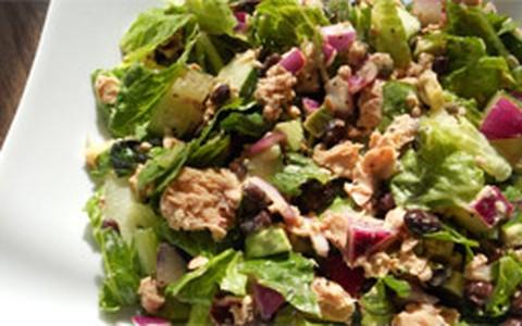 Alimentos que ajudam na perda de peso, segundo a nutricionista Fiona Kirk