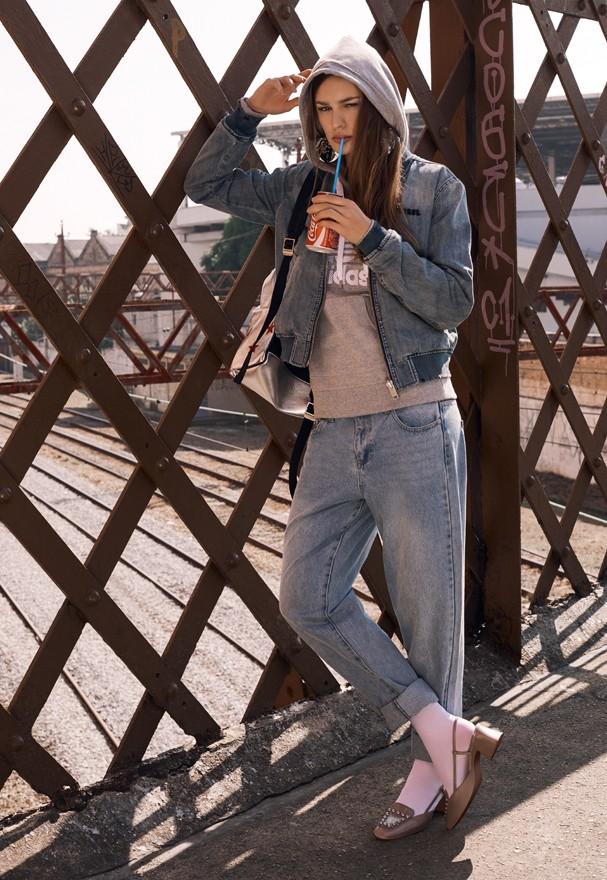 Jeans com moletom, sim! (Foto: Eduardo Bravin)
