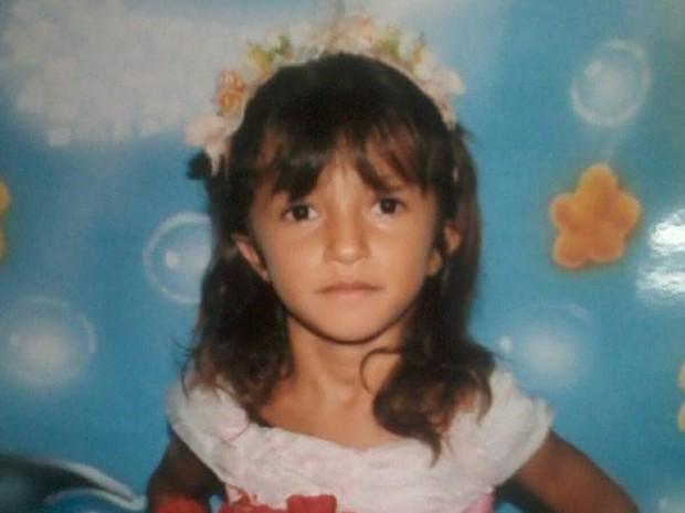 Maísa Moreno da Silva, de seis anos, foi estuprada, espancada e deixada em matagal para morrer (Foto: Divulgação/Polícia)