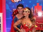 Viviane Araújo se fantasia de Mulher Maravilha para comemorar 41 anos