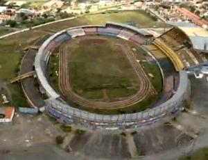 Pinheirão, estádio em Curitiba (Foto: reprodução RPCTV)