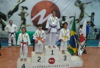 Manuela vice campeã na categoria Kata (Foto: Divulgação/ Carlos André)