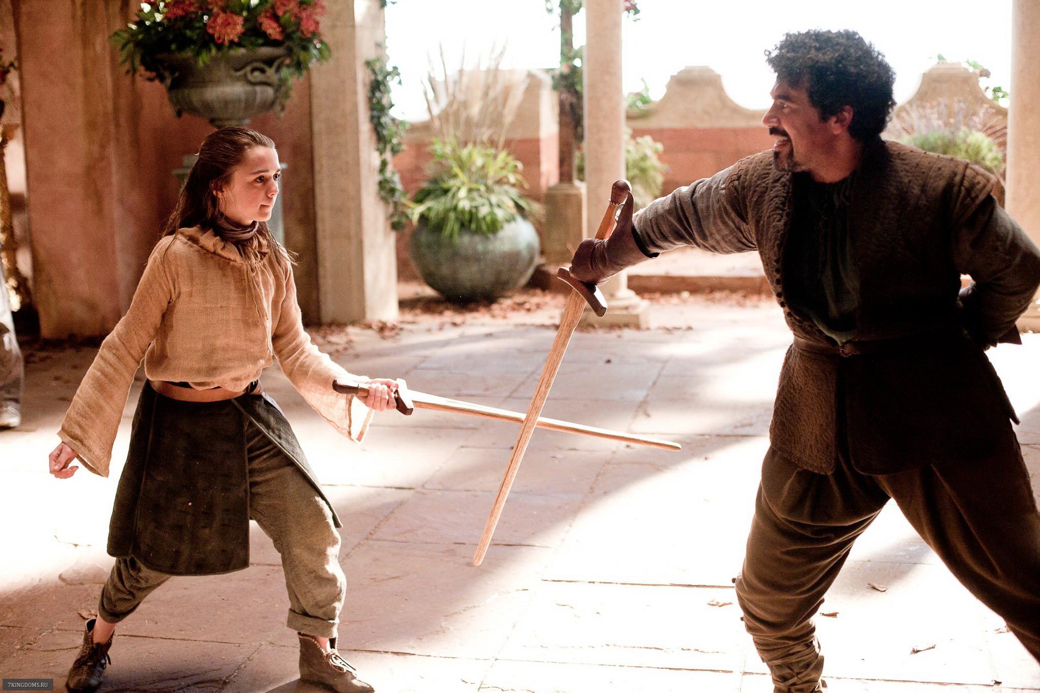 Arya e Syrio Forel na primeira temporada (Foto: Divulgação)