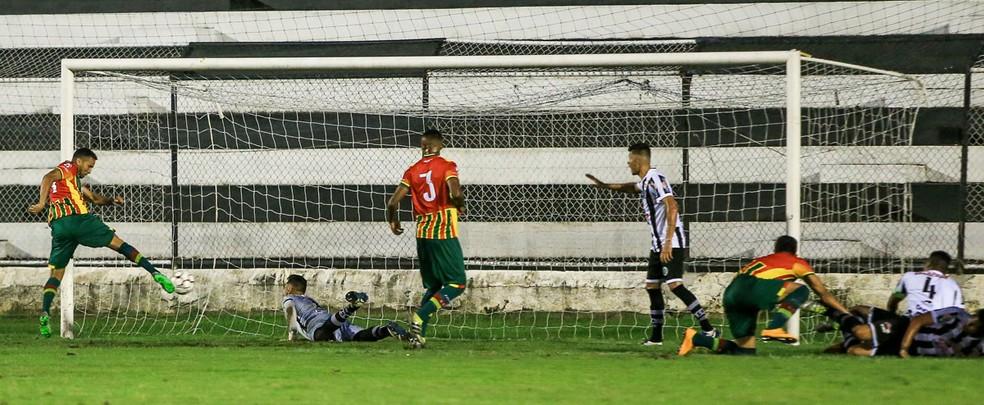 Em Arapiraca, ASA perdeu para o Sampaio Corrêa por 1 a 0 (Foto: Ailton Cruz / Gazeta de Alagoas)