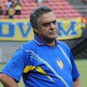 Benazzi não gostou do que viu na Arena da Amazônia (Foto: Marcos Dantas)