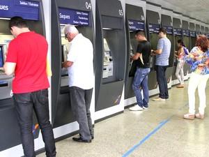 Bancos não abrem na sexta-feira da Paixão (24) (Foto: De Jesus/O Estado/Arquivo)