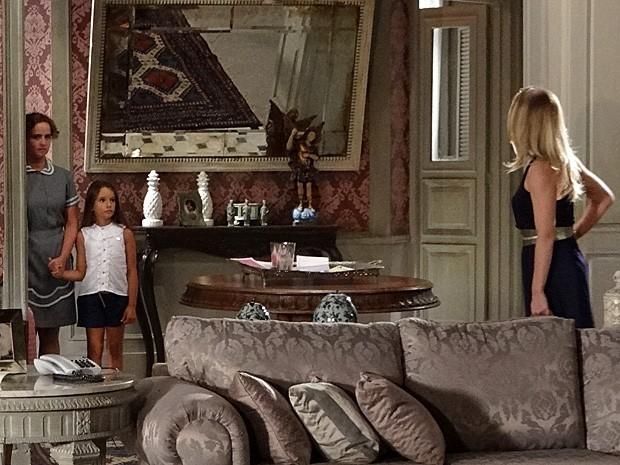 Antonia diz que vai embora com Raissa (Foto: Salve Jorge/TV Globo)