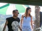 Daniel Alves e a namorada Joana Sanz visitam Cristo Redentor, no Rio