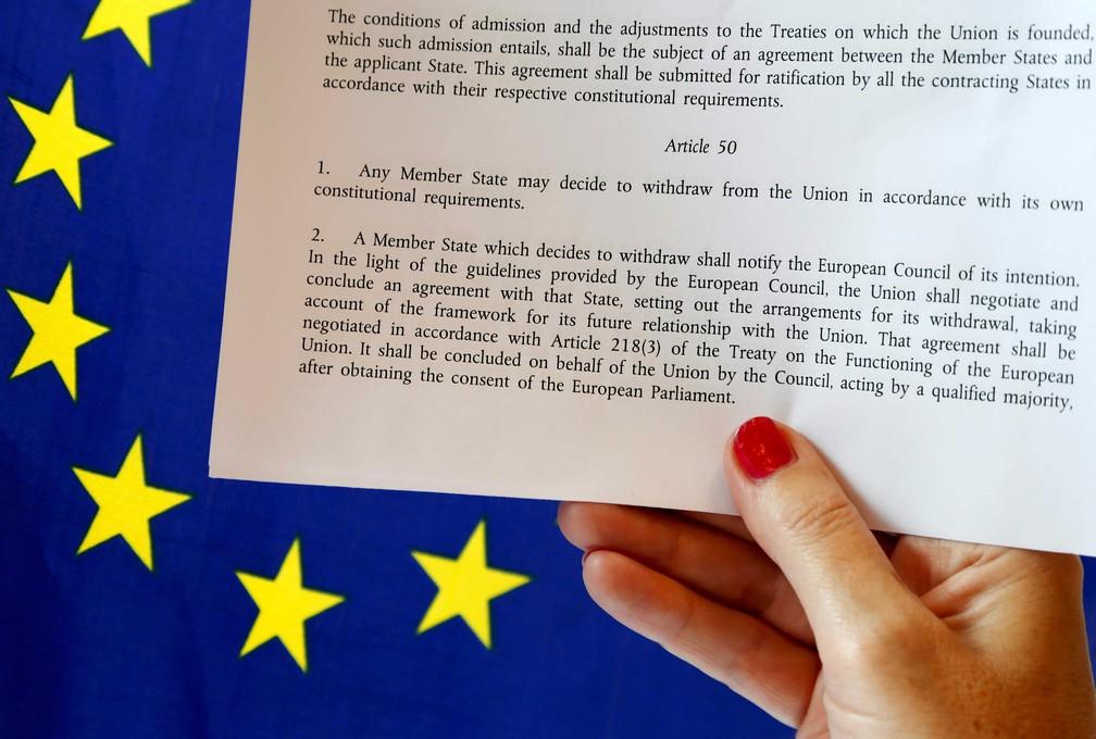 Artigo 50 da União Europeia traz os passos que um país deve seguir para se afastar da União Europeia  (Foto: Francois Lenoir/ Reuters)
