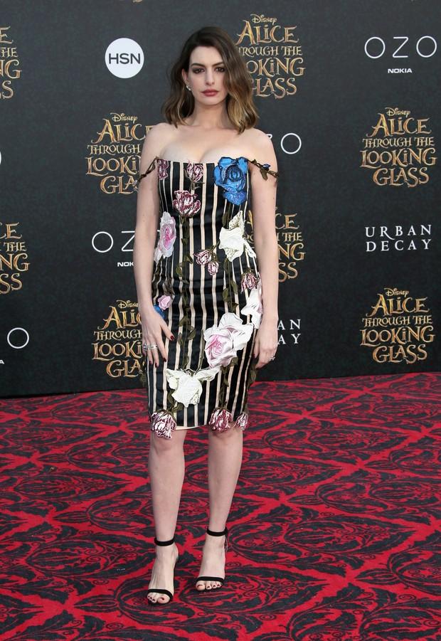 Anne Hathaway em première de filme em Los Angeles, nos Estados Unidos (Foto: Frederick M. Brown/ Getty Images/ AFP)