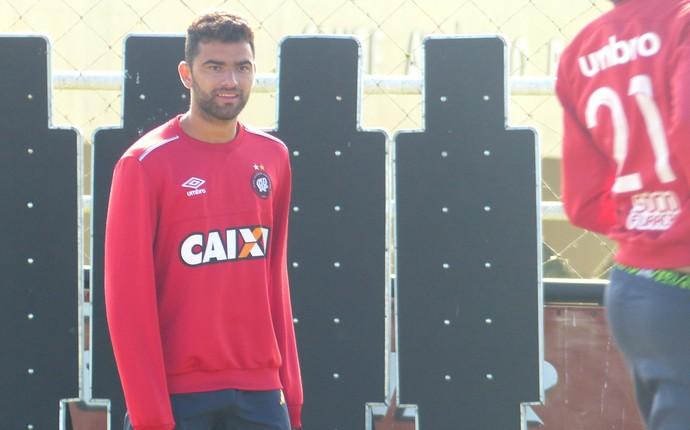 Ikaro Atlético-PR (Foto: Monique Silva)