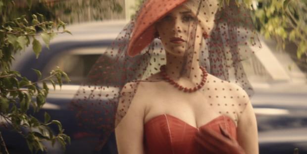 Bárbara Evans como Lívia na minissérie Dois Irmãos (Foto: Divulgação)
