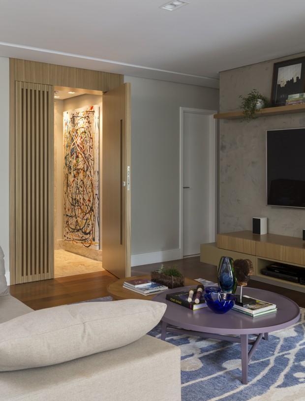 Portas de correr transformam dinâmica de apartamento alugado (Foto: Divulgação)