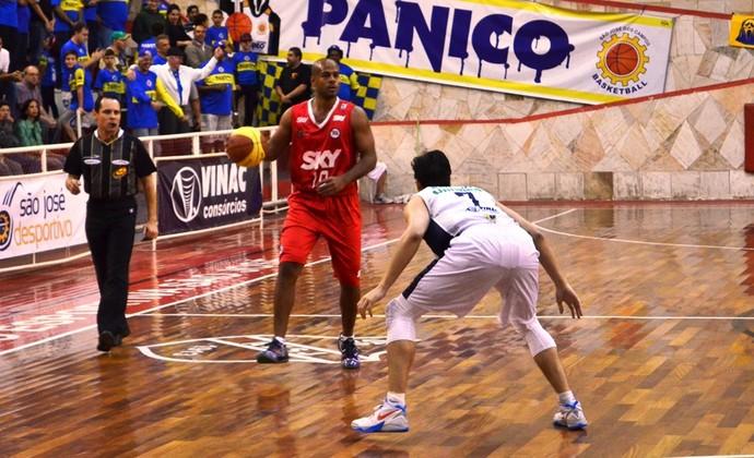 São José Basquete Pinheiros Campeonato Paulista (Foto: Danilo Sardinha/GloboEsporte.com)
