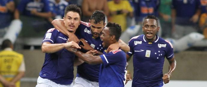 Cruzeiro x Universitario Sucre (Foto: EFE)
