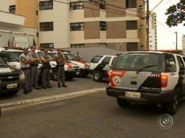 Operação do Gaeco e PM em Sorocaba (Foto: Reprodução/TV TEM)
