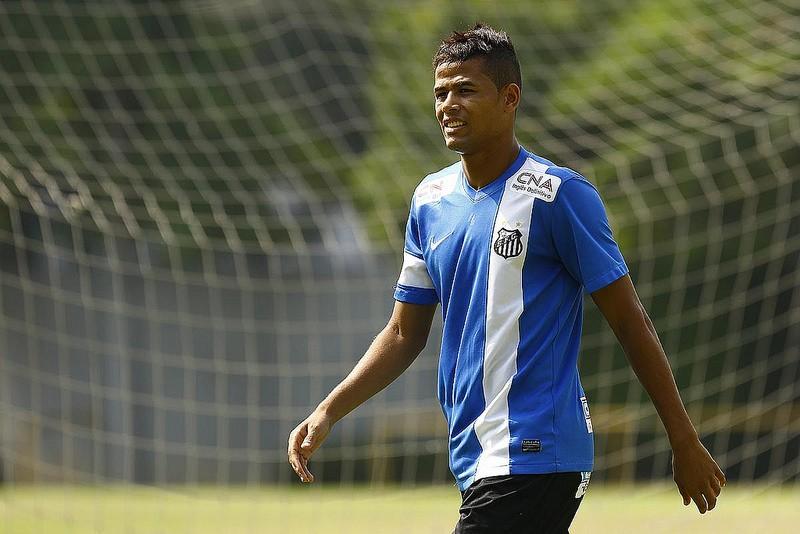 Atacante Geuvânio treino Santos