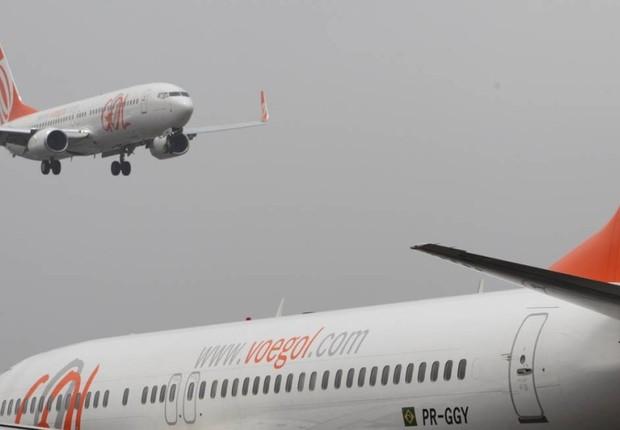 Aviões da Gol Transportes Aéreos são vistos no aeroporto Santos Dumont, no Rio de Janeiro (Foto: Michel Filho/O Globo/Arquivo)