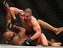 "Robert Whittaker e Yoel Romero levam prêmio por ""Luta da Noite"" no UFC 213"