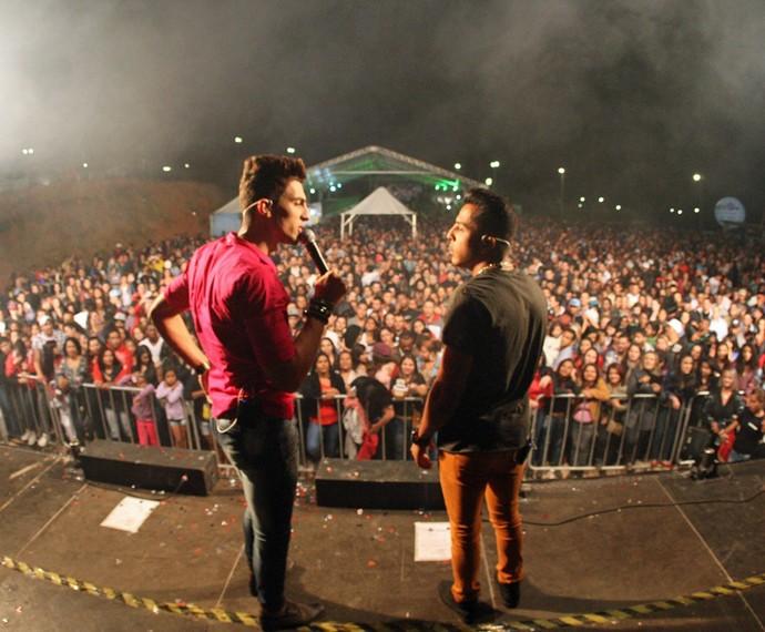 Dupla sertaneja faz 10 shows por mês por todo o Brasil  (Foto: Arquivo Pessoal)