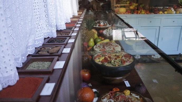 Delícias da Cozinha de Dona Flor, na Casa do Rio Vermelho, parecem de verdade (Foto: Luan Esquivel/TV Bahia)