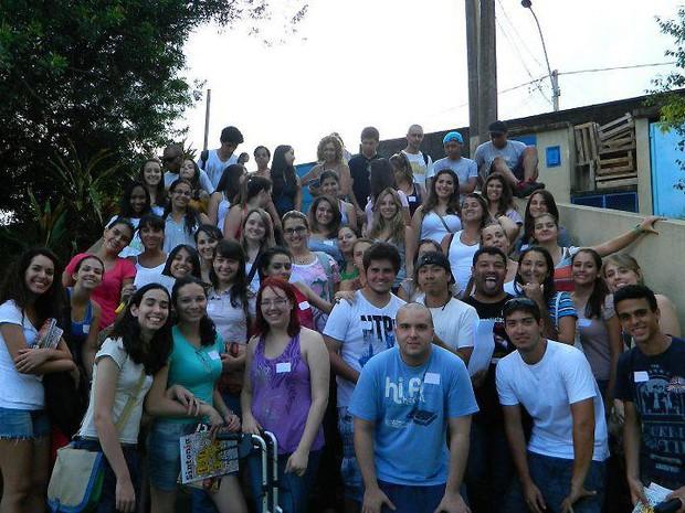 """Estudantes da PUC durante o """"Trote Solidário"""" na edição de 2012 (Foto: Jeferson Batista/ Arquivo pessoal)"""