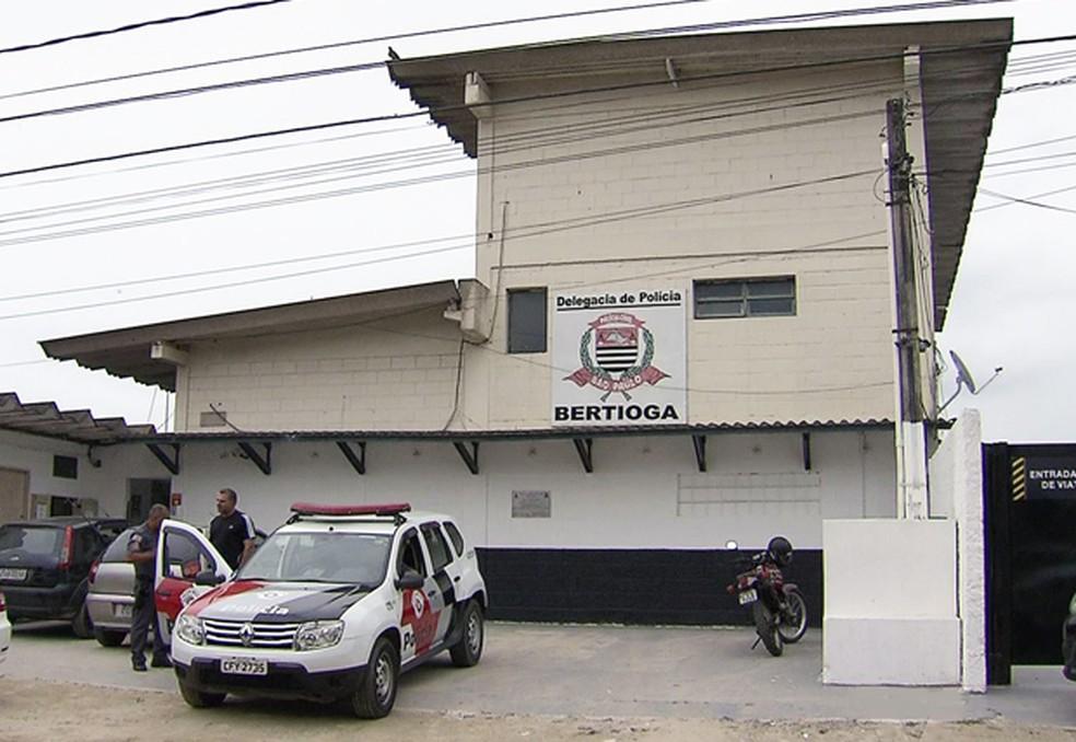 Caso foi registrado na Delegacia Sede de Bertioga, no litoral paulista (Foto: Reprodução/TV Tribuna)