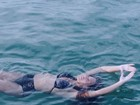 De biquíni, Beyoncé curte praia com a filha, Blue Ivy