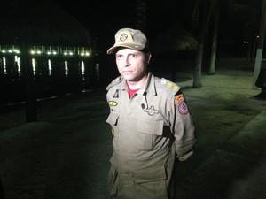 Comandante Leonardo Couri reforçou buscas na noite desta quinta (31) (Foto: Heitor Moreira/G1)