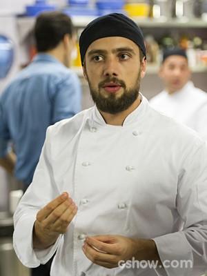Rafael Cardoso como o cozinheiro Vicente (Foto: Divulgação/TV Globo)