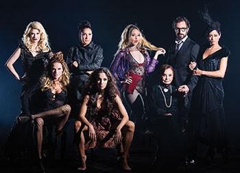Nicola Lama entre todas as mulheres do elenco (Foto: divulgação)