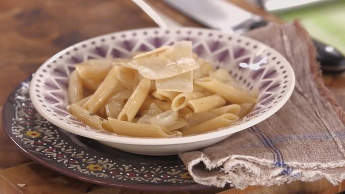 Cozinha Prática com Rita Lobo, EP cebola, macarrão com molho de cebola