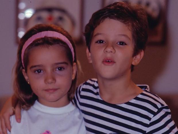 Alvinho (Eduardo Caldas) e Bia (Tatyane Goulart) em Felicidade