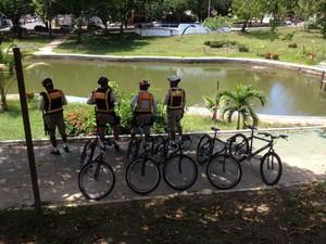 Guarda realiza patrulhamento em bicicletas na ruas de Macapá (Foto: John Pacheco/G1)