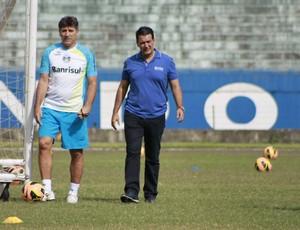 Renato e Rui Costa em treino do Grêmio (Foto: Diego Guichard)