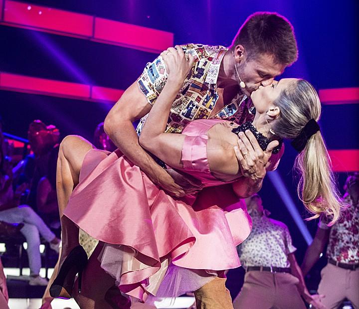 Fernanda Lima e Rodrigo Hilbert são muito fofos! Casais já protagonizaram momentos de paixão no palco do Amor & Sexo!  (Foto: Raphael Dias/Gshow)